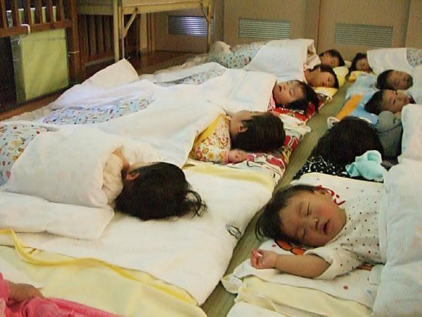 お昼寝 保育園