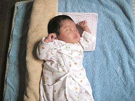 赤ちゃん 背中 バスタオル