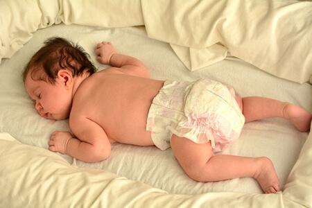 赤ちゃん うつぶせ寝