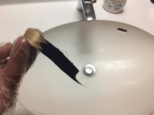水で洗い落とす